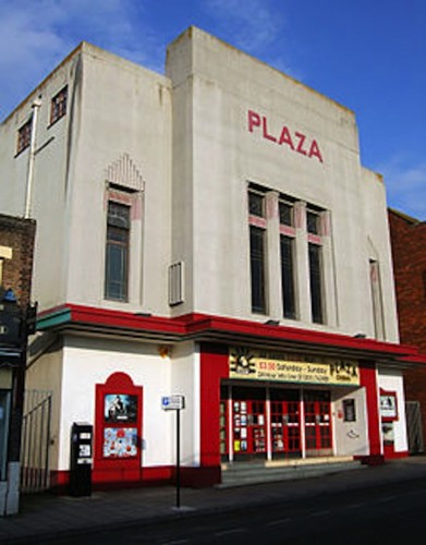256px-The_Plaza_Cinema,_Dorchester,_Dorset