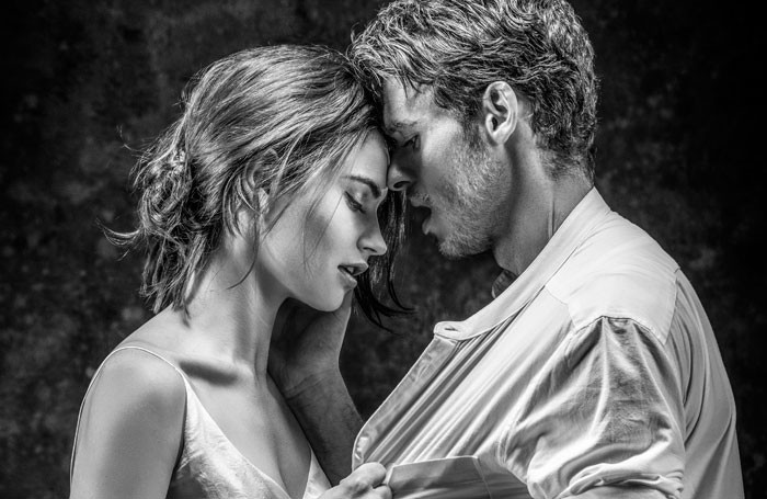 Lily-James-and-Richard-Madden.-Credit-Johan-Persson-700x455
