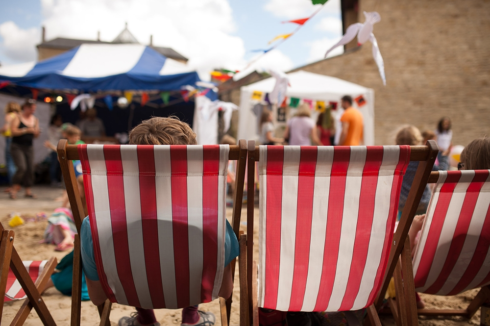 Frome on sea red and white striped deckchairs